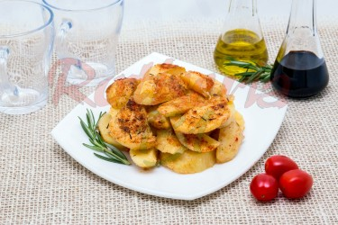 Cartofi cu usturoi la cuptor